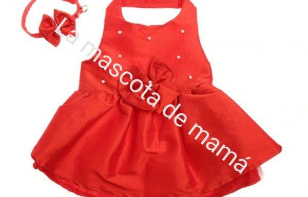 Vestido rojo con perlas